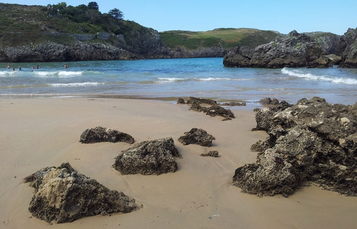 Paradisiaca playa de Borizu en Celorio viaje a Asturias