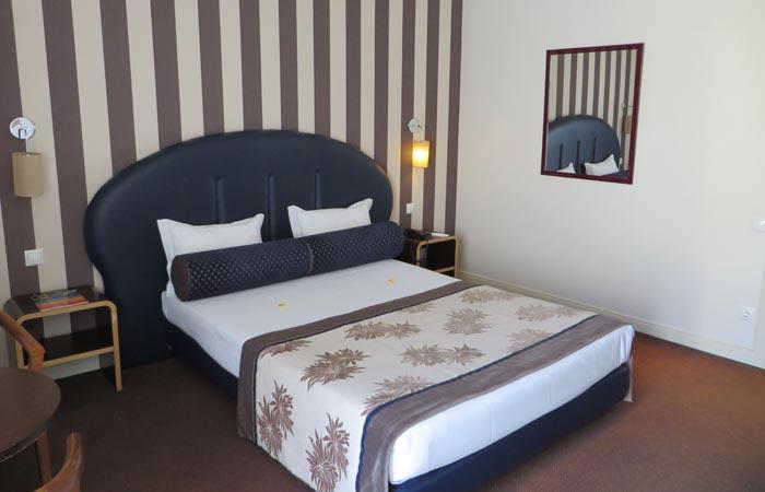 Cama doble del hotel As Américas visitar Aveiro