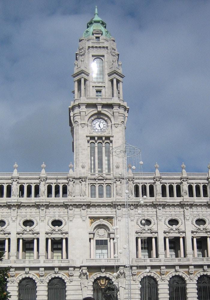 Cámara de Oporto en la avenida de Los Aliados qué ver en Oporto