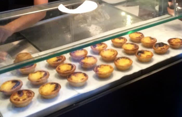 Interior de Natas Lisboa comer en Oporto