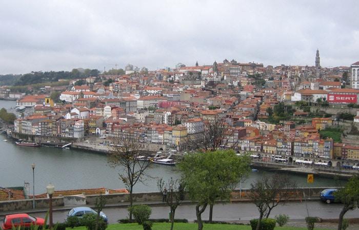 Vista de Oporto desde el Jardín Do Morro.