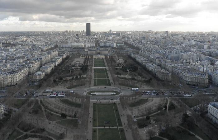 Campo de Marte de París crucero por el Sena