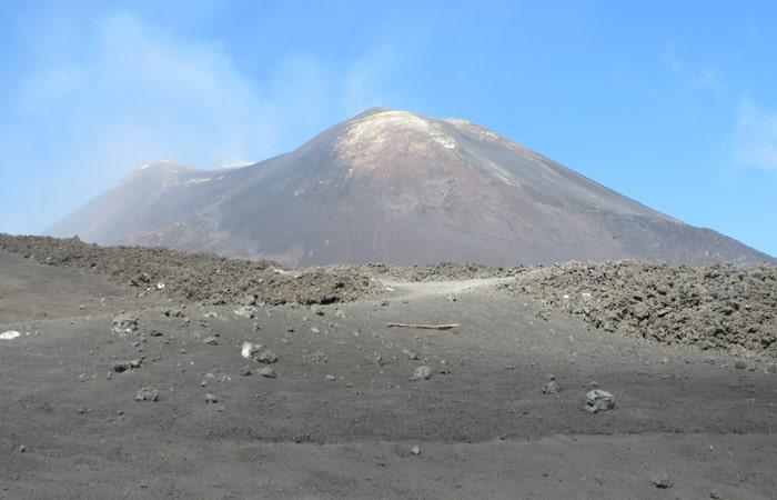 Volcán Etna Cinco lugares Sicilia imprescincible