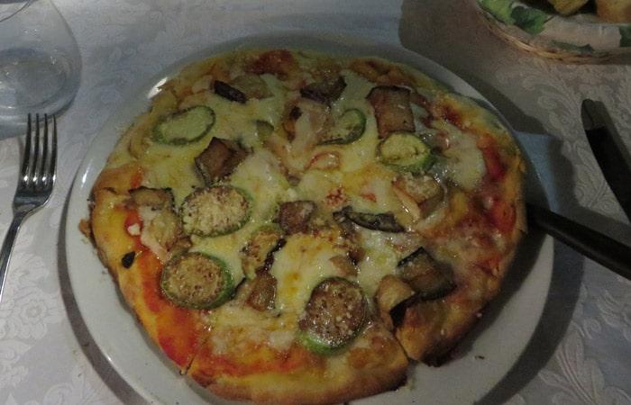 Pizza del ristorante Malvasia de Taormina comer en Sicilia