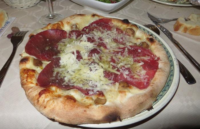 Pizza de la trattoria Manhattan de Agrigento comer en Sicilia