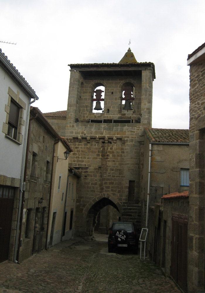 Torre de las Campanas de San Felices de los Gallegos Puente de los Franceses