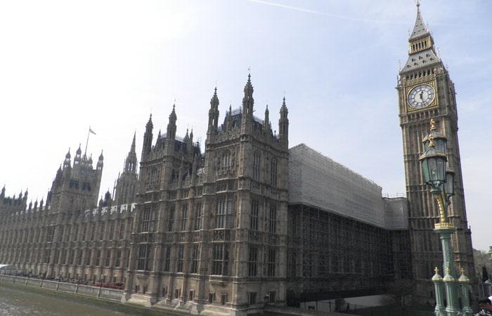Parlamento británico y Big Ben ruta por Londres