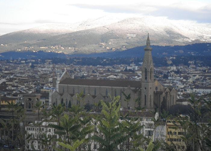 La Santa Croce desde la Piazzale Michelangelo Florencia