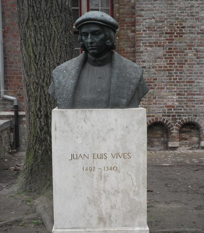 Busto del humanista español Juan Luis Vives qué ver en Brujas en un día
