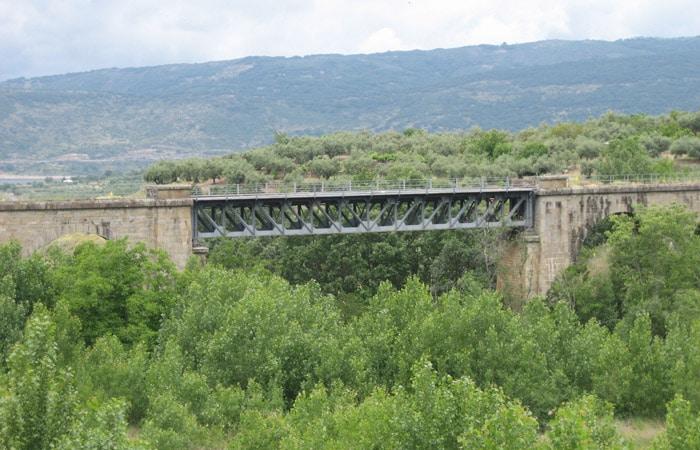 Puente de la vía férrea de la Ruta de la Plata La Chorrera Hervás