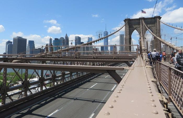 Vista desde el puente de Brooklyn contrastes de Nueva York
