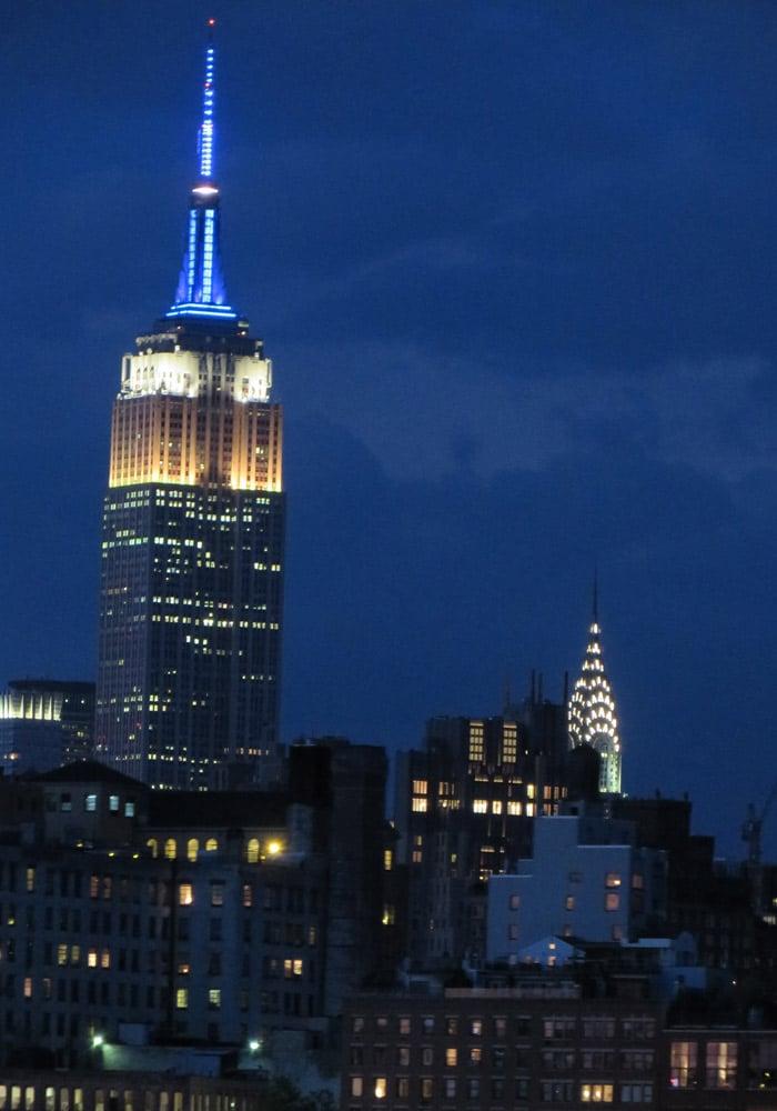 Empire State y Edificio Chrysler, de noche paseo en barco por Nueva York