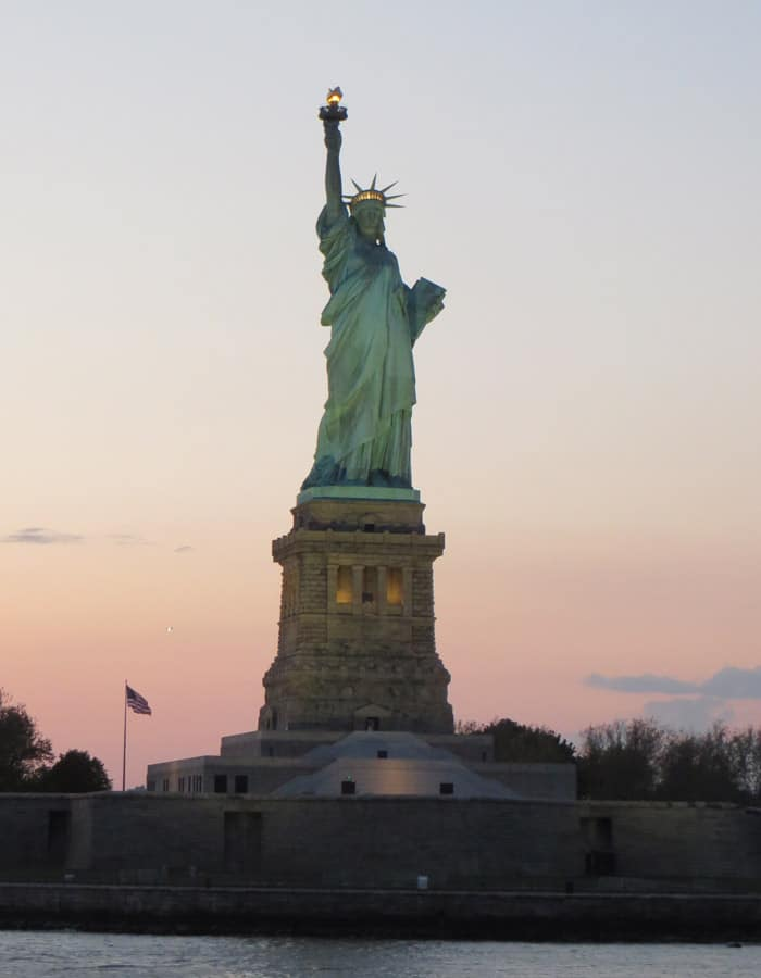 Estatua de la Libertad paseo en barco por Nueva York