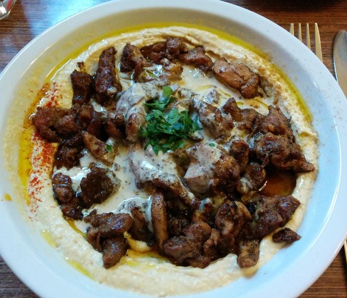 Shawarma con hummus del Hummus Bar comer en Budapest