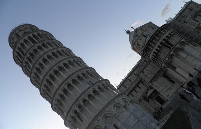 Torre de Pisa inclinada