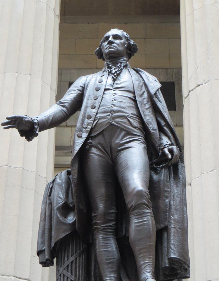 Estatua de Geroge Washington en el Federal Hall