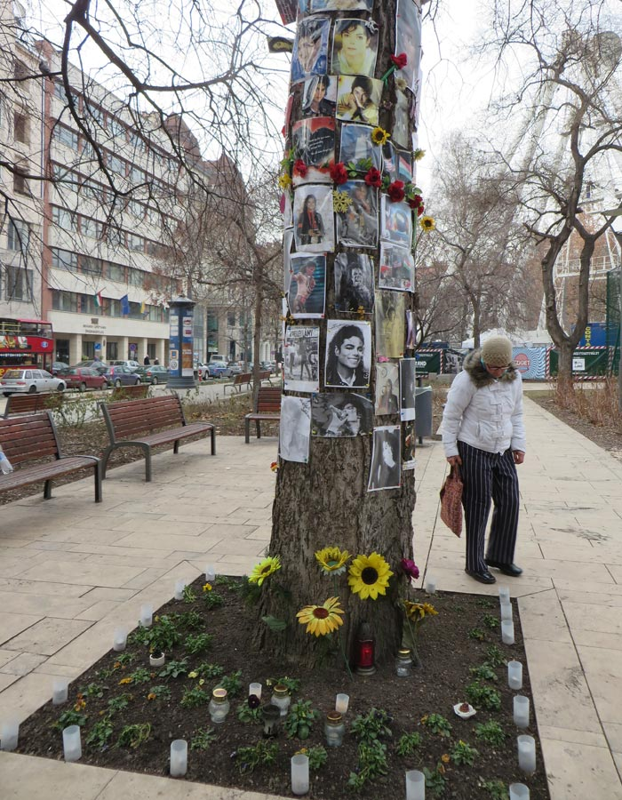 Homenaje a Michael Jackson en Erzsébet tér