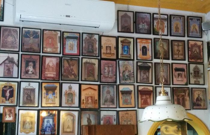 Imágenes religiosas de Casa Ricardo tapeo por Sevilla
