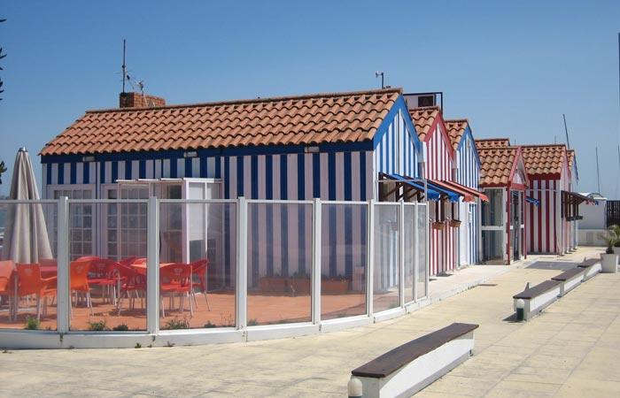 Exterior del Clube de Vela de Costa Nova comer en Aveiro