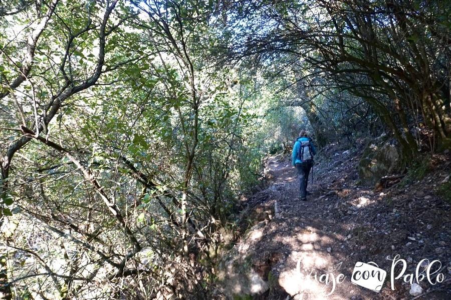 Sendero de la ruta de la cascada del Chorro de Las Batuecas