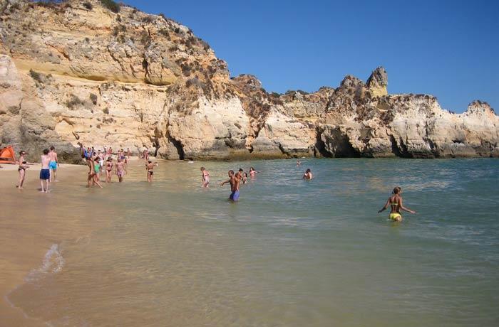 Vista de la playa dos Tres Irmaos mejores playas del Algarve