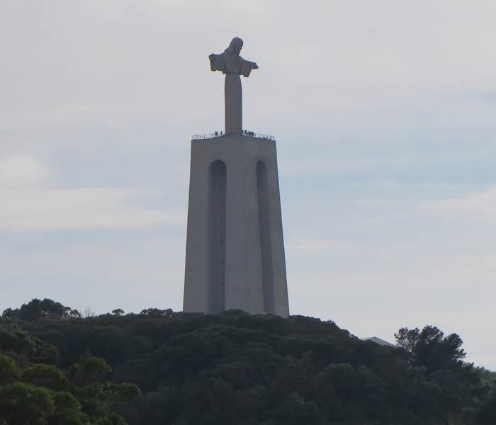 Santuario Nacional de Cristo Rey de Almada