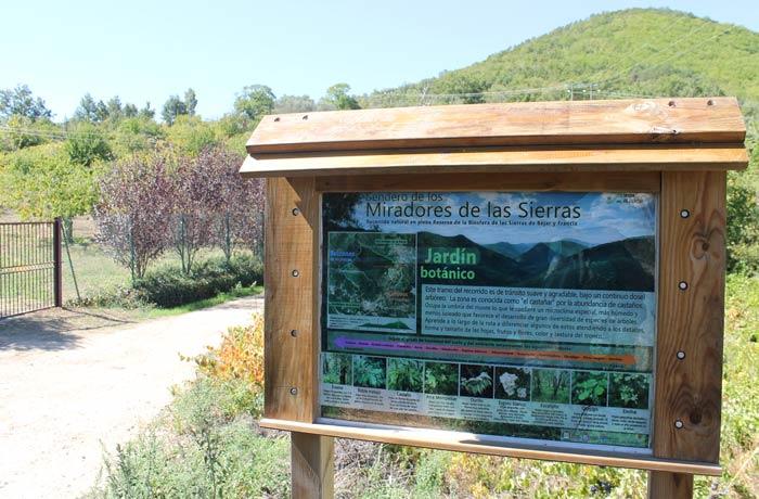 Panel informativo sobre la flora que se encuentra en el recorrido senderismo en Salamanca Miradores de las Sierras