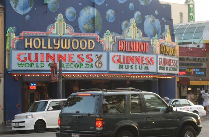 Guinness Museum Paseo de la Fama de Hollywood