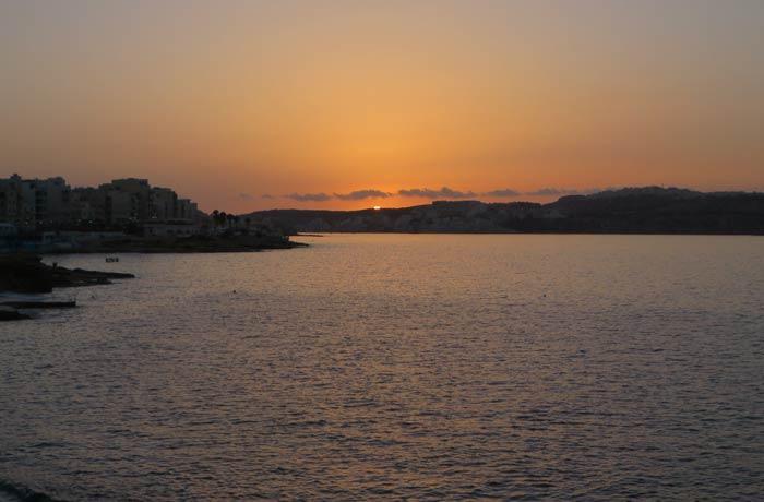 Atardecer en Malta en cuatro días