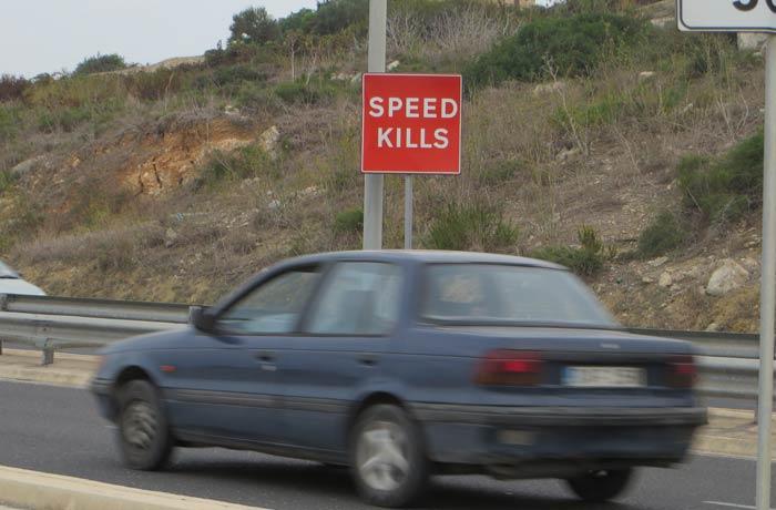 """""""La velocidad mata"""", mensaje en una carretera de Malta en cuatro días"""