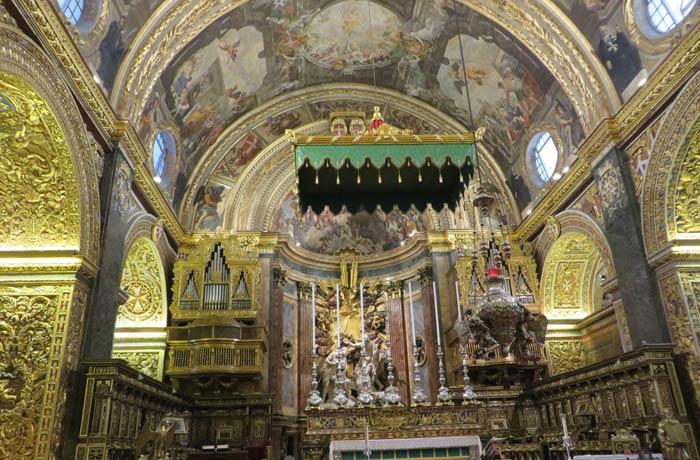Altar mayor de la Concatedral de San Juan qué ver en La Valeta