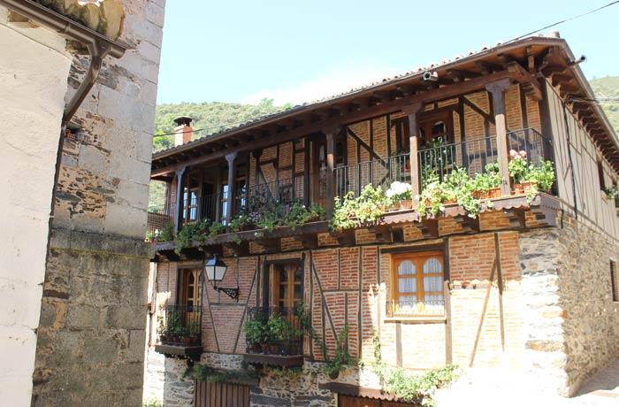 Una de las casas típicas de Valero