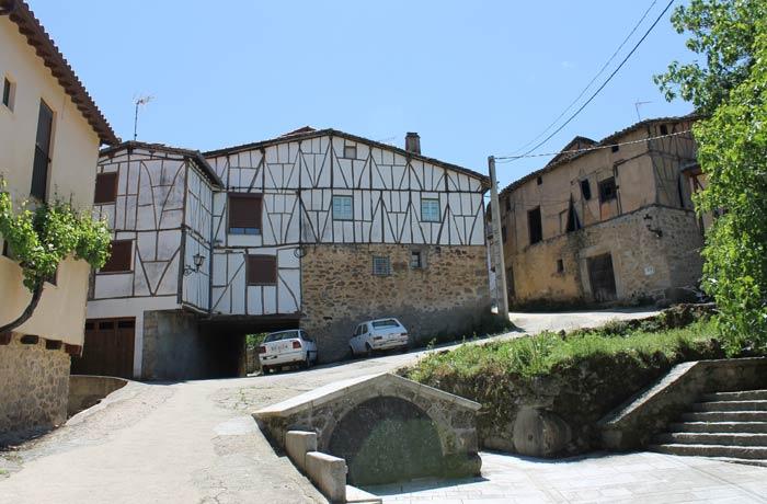 Casas típicas de San Esteban de la Sierra