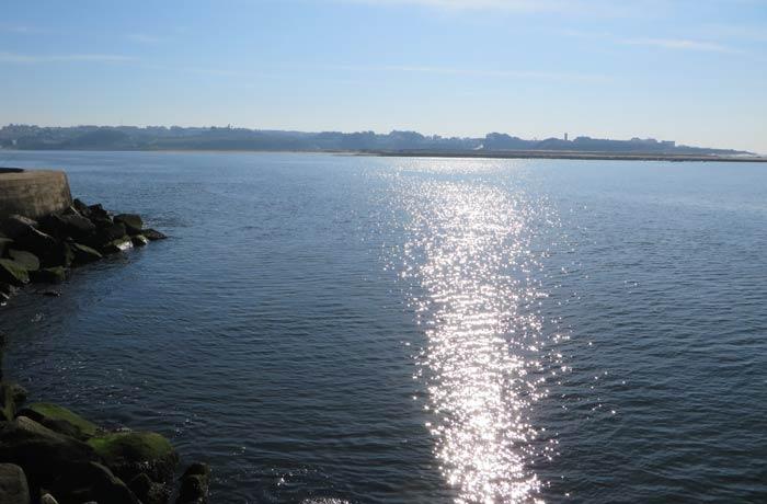 Vista de la desembocadura del Duero que llega por la izquierda de la imagen