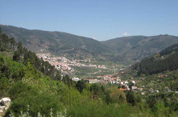 Vista de Manteigas desde el inicio de la ruta Sierra de la Estrella