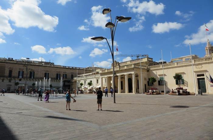 Plaza de San Jorge qué ver en La Valeta