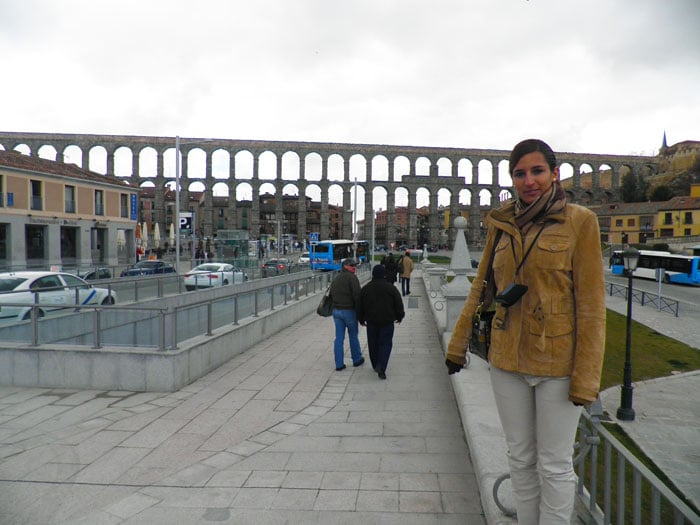 El Acueducto desde la plaza de la Artillería, junto a la salida del parking Padre Claret qué ver en Segovia en un día