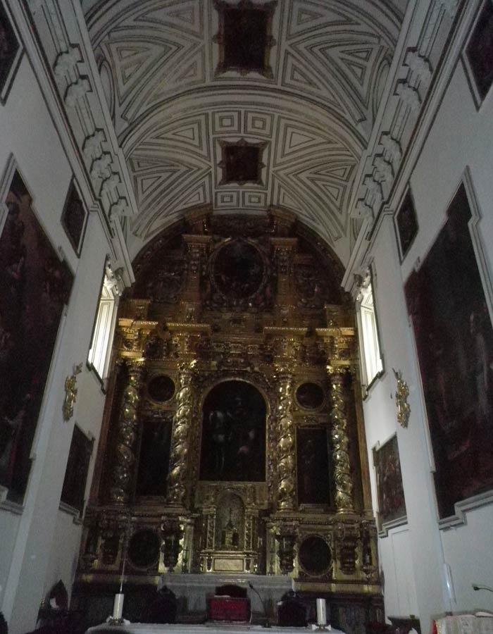 Retablo de la iglesia de San Martín qué ver en Segovia en un día
