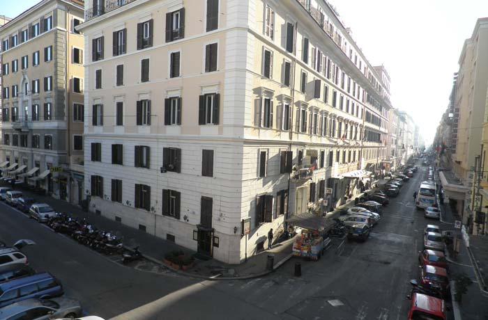 Vistas desde la terraza de la habitación del hotel Flower Garden Roma en tres días