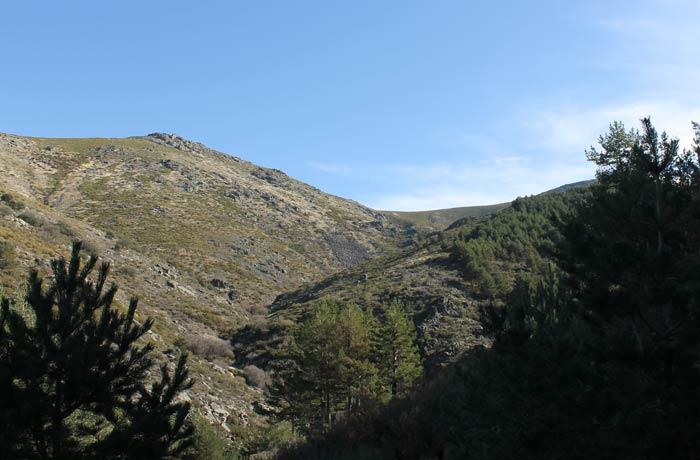Vistas del entorno de la ruta de la Garganta del Oso