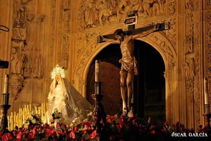 María Nuestra Madre y el Cristo del Amor y de la Paz el Jueves Santo Semana Santa Salamanca