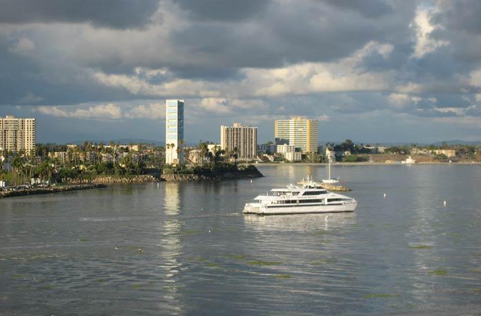 Vista de la bahía de Long Beach desde el Queen Mary