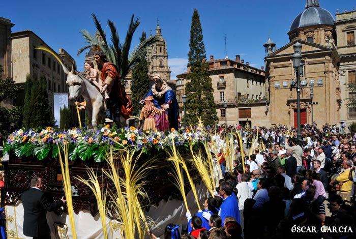 La Borriquilla de la Hermandad de Jesús Amigo de los Niños el Domingo de Ramos Semana Santa Salamanca