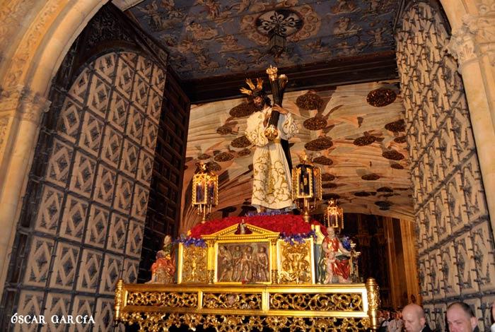 Nuestro Padre Jesús de la Pasión de la Hermandad Dominicana en la madrugada del Viernes Santo Semana Santa Salamanca