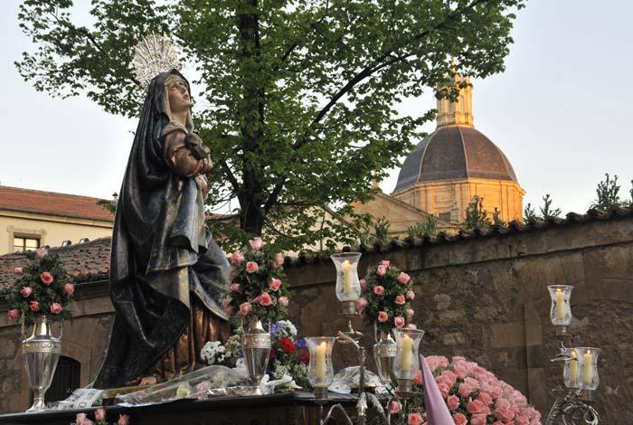 Virgen Dolorosa en la procesión de la Seráfica Hermandad el Jueves Santo Semana Santa Salamanca