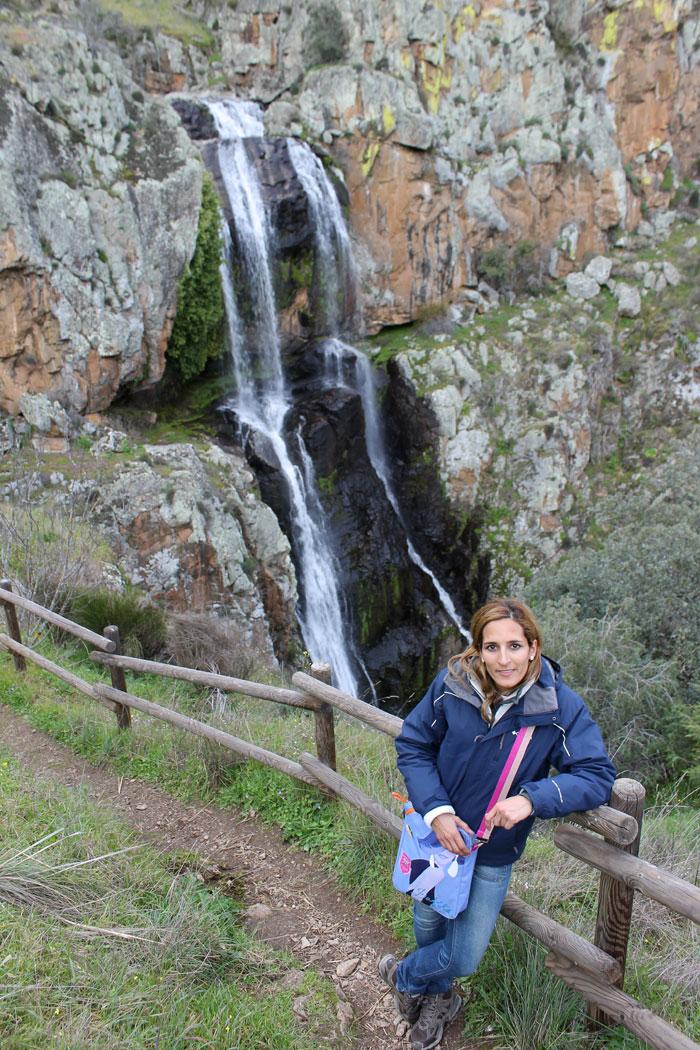 Vista de la Faia da Água Alta desde el mirador que hay antes de llegar al puente cascadas en Portugal
