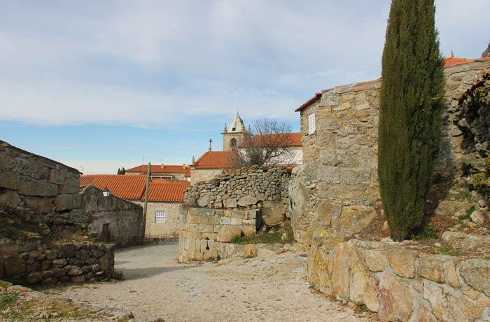 Una de las calles de Castelo Bom