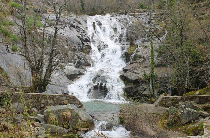 Cascada del Calderón senderismo en el Jerte