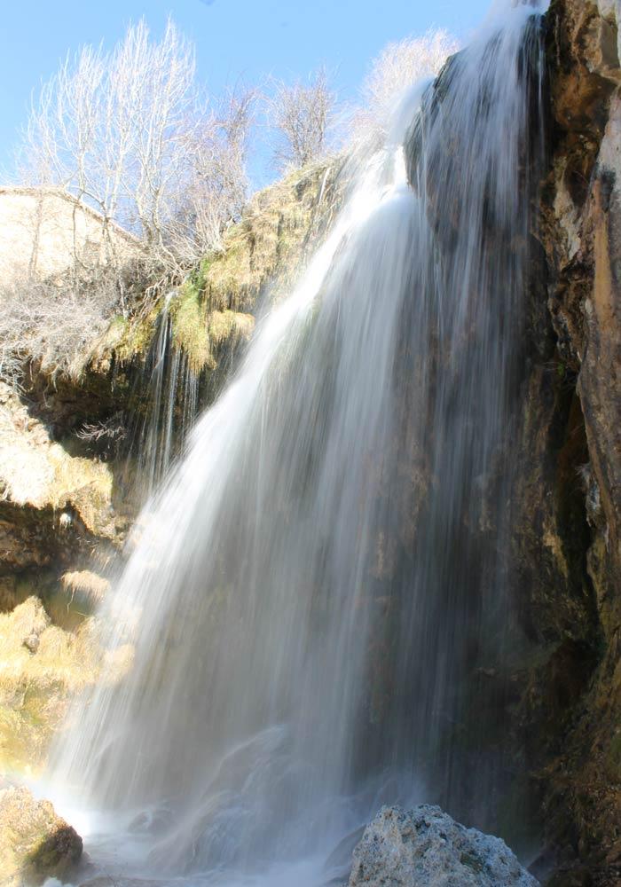 Cascada del Molino de la Chorrera de camino al nacimiento del Júcar Cuenca en tres días