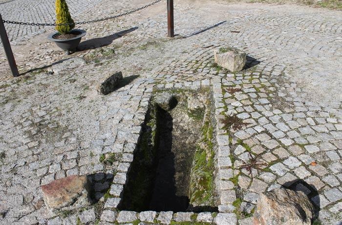 Sepultura antropomórfica Castelo Bom